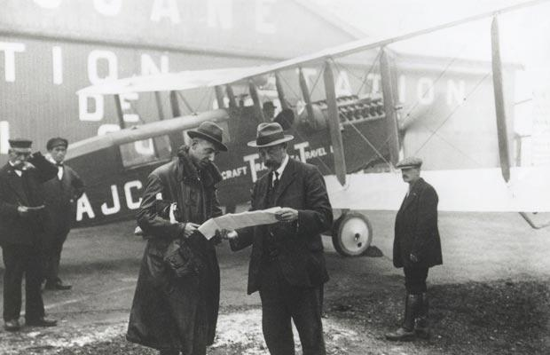 1919-1st-flight-to_1468336i