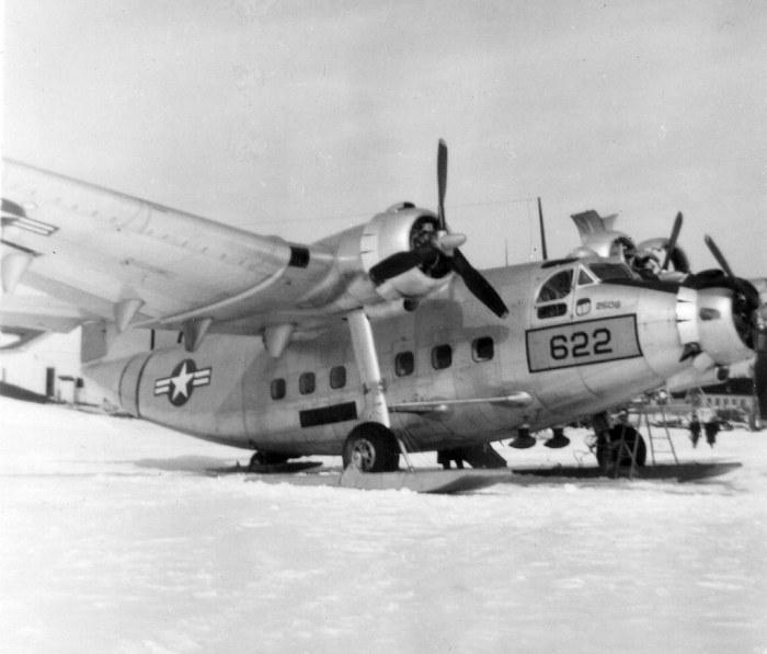 U.S. Air Force Plane at Kenora Waterdome in 1950, photo 2