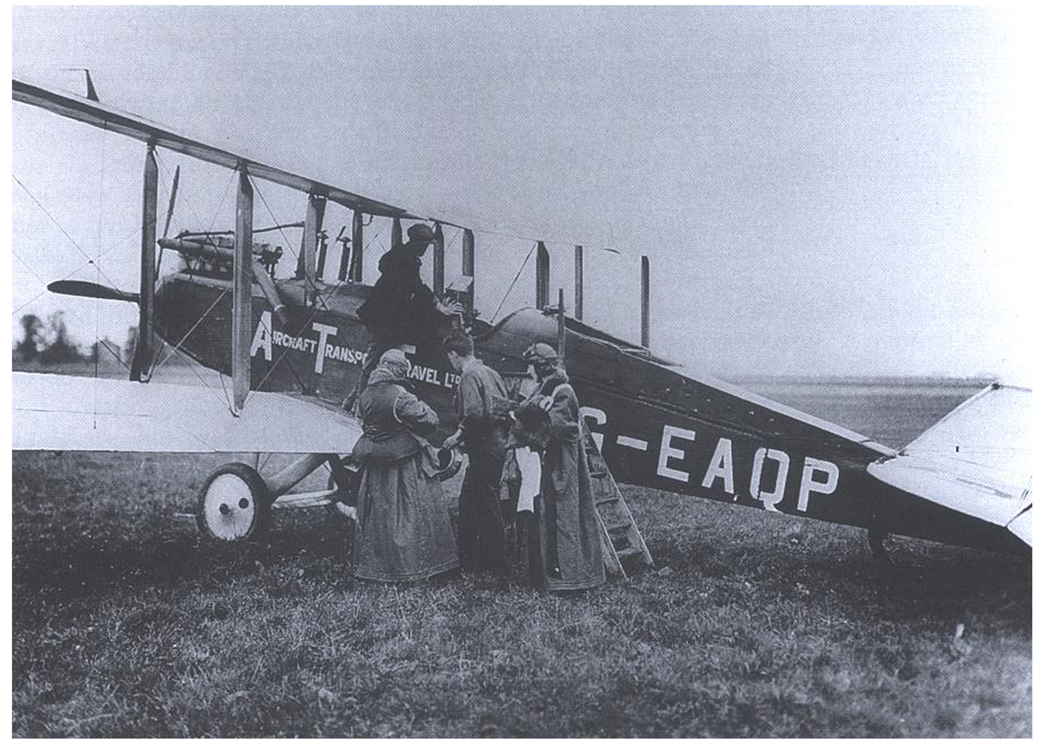 Schiphol-100-Eerste-lijnvlucht-met-DH-9-B-Air-Transport-Travel-1920-e1464269920207