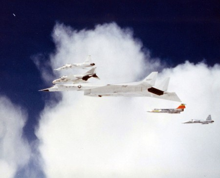 North American XB-70A Valkyrie in formation. Other aircraft are (near to far): Northrop T-38A-15-NO S/N 59-1601, McDonnell F-4B-15-MC BuNo 150993, North American XB-70A-2 S/N 62-207, Lockheed F-104A-20-LO (aka F-104N) S/N 56-813, and Northrop YF-5A-NO S/N 59-4989. (U.S. Air Force photo)