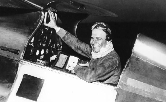 Doolittle realiza el primer vueloinstrumental