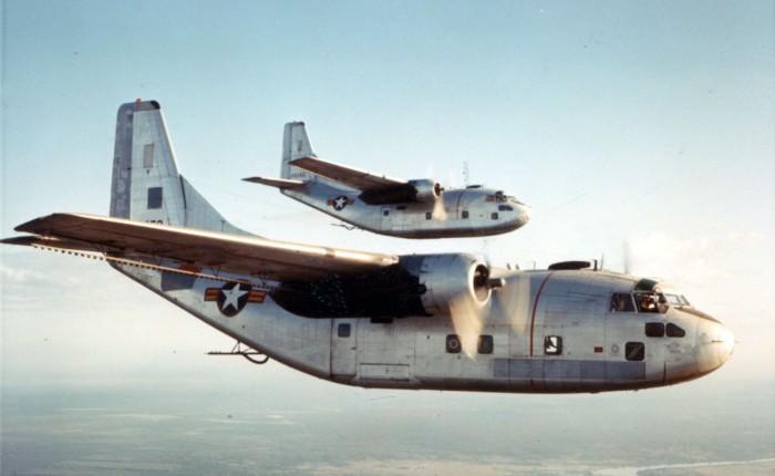 Primer vuelo del C-123Provider