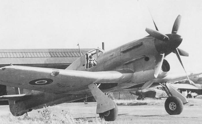 Hawker Tornado, progenitor del Typhoon y del FuryII