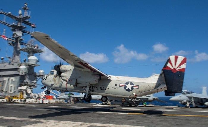 Grumman C-2 Greyhound, chica para todo de la USNavy