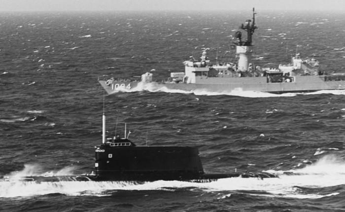 Proyecto Azorian: cuando la CIA pescaba submarinoshundidos