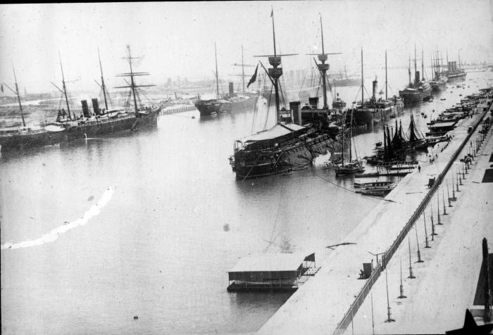 Spanish_Fleet,_Suez_Canal_1898