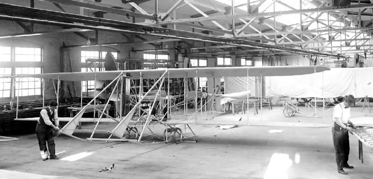 Wright_factory_workers-general_assembly