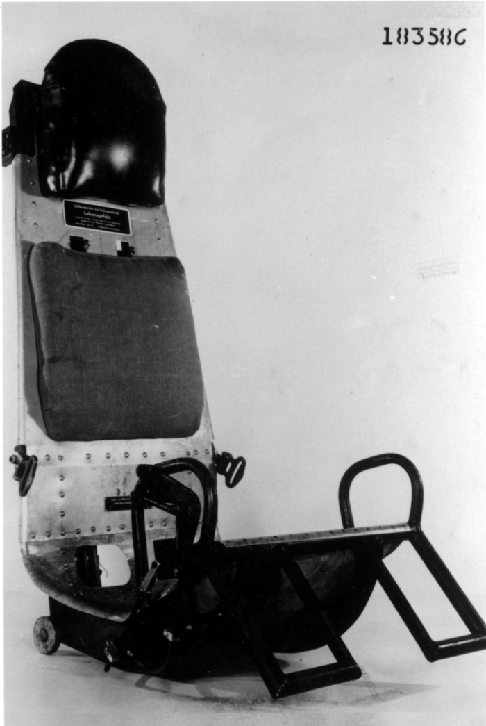03 Asiento he162