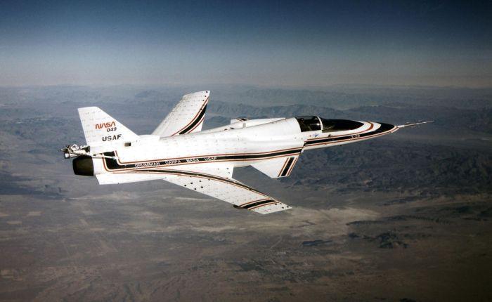 """X-29, una maravilla con las """"alas alrevés"""""""