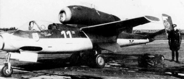 RAF-AM60--Heinkel-He-162A-2--Wk--Nr--120074---White-11