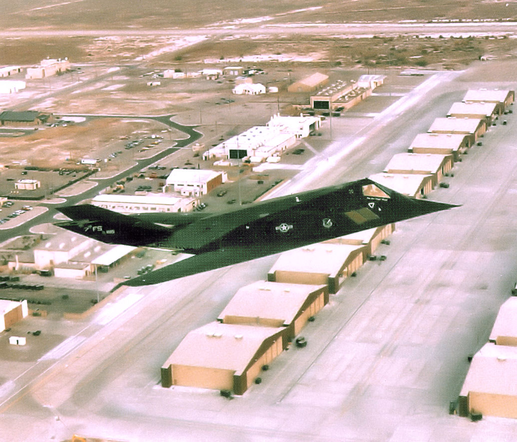 F-117_over_Holloman_AFB