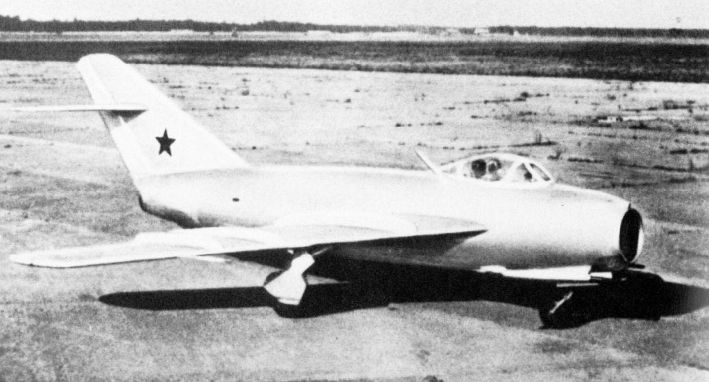 MiG_I-330_ExRussia