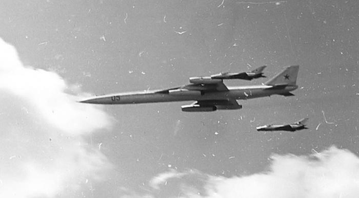 myasishchev-m-50-flyby