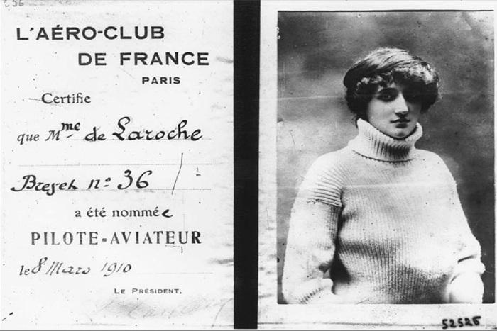de-LAROCHE-Mme.-pilots-license-at-museeairespace