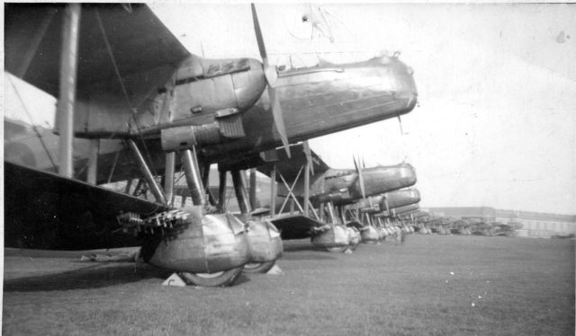 handley-page-heyford-frpm-my-fathers-colloction-w640h480