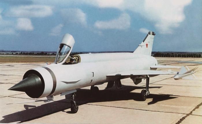 MiG Ye-150 y 152, una historia pendiente de unmotor