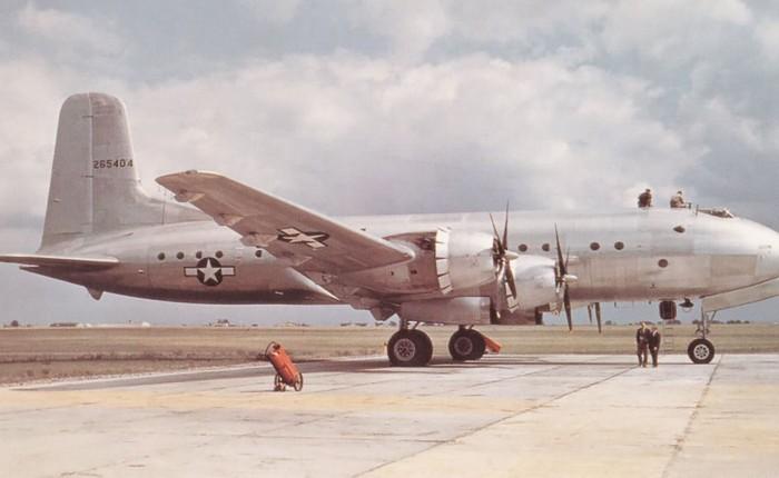 Vuela el C-74Globemaster