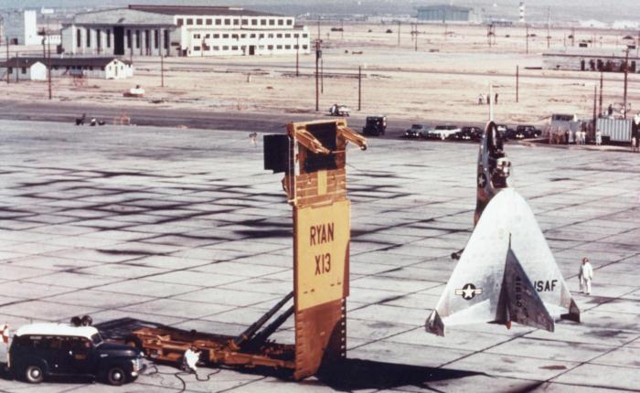 """Ryan X-13, un """"Tail-Sitter"""" en los años50"""