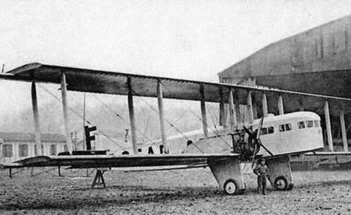 Primera colisión aérea de dos aviones delínea